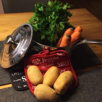 zutaten-fuer-eine-schwaebische-kartoffelsuppe