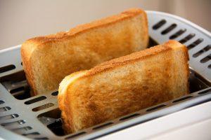 Toast zum Frühstück für eine Lebendige Familienzeit
