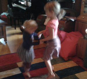hören und tanzen - Lebendige Familienzeit