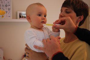 Zähneputzen mit Babys